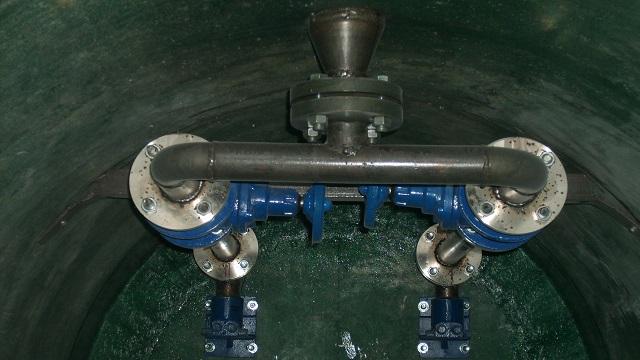 Напорный трубопровод в КНС